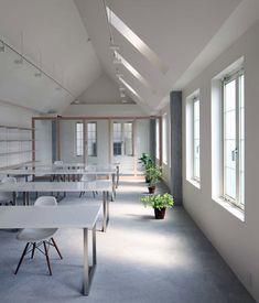 Kawanishi Fam office interior by TT Architects