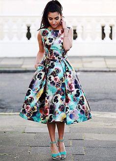 0d70c14e39 Rozkloszowana sukienka Chi Chi London w stylu lat 50. Sexy Dresses