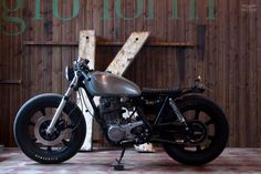1984 Yamaha SR400 called Ratatoskr Recycle Motorcycle
