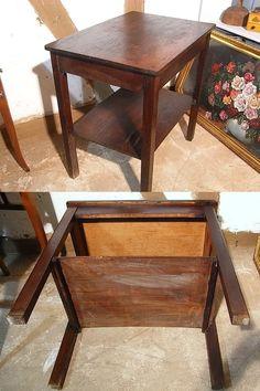 *shabby Beistelltischchen der 40er Jahre*  Zeittypisch, im schlichten Bauhausstil. Ca. 1930 bis ca. 1950. Er diente zuletzt als Nähmaschinen - Tischchen.   Eiche, Beine und Tischplatte oben...