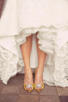 4 Handsome Tips: White Shoes Cabinet manolo blahnik wedding shoes.Fila Shoes Vintage steve madden shoes h&m. Mustard Wedding, Lace Dress Styles, Dress Lace, White Dress, Yellow Shoes, Gold Shoes, Yellow Wedding Shoes, Satin Shoes, Leather Shoes