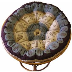 Sit comfortably and casually with this Celebration Papasan Circle Multi Floral Cushion. This cushion is a floral design which will help bring the colors out of any room. The cushion is overstuffed for supreme comfort.