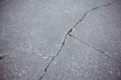 close-up-of-cracked-asphalt-road-background_1252-1074.jpg (626×417)
