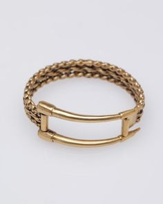 rarely find bracelet pretty... this one is