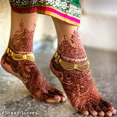 Bridal Anklet or payal. Bridal henna or mehndi designs.