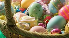 Easter is the only time it's good to put all your eggs in one basket. Easter Wallpaper, Spring Wallpaper, Holiday Wallpaper, New Wallpaper, Wallpaper Backgrounds, Iphone Wallpapers, Boxing Day, Happy Easter Bunny, Some Bunny Loves You