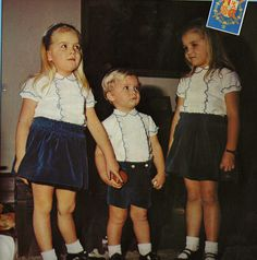 Cristina, Felipe y Elena de pequeños.
