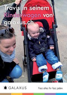 Travis in seinem Kinderwagen von galaxus.ch. #GalaxusLive #Galaxus