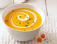 La siguiente receta es ideal si quieres preparar rápido un plato delicioso y nutritivo, la crema de zanahoria. Un plato que enamora a los vegetarianos y hasta los que no lo son. La zanahoria trae muy buenos aportes al organismo (es rica en potasio y fósforo, es diurética, tiene vitaminas, et...  #recetas #recetasgratis #recipes #receta #recetasfaciles #recipeoftheday #comida #cocina #misrecetas #salud #saludable #alimentos #alimentacion #dieta