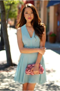 Aquamarine dress with a tinge of femininity