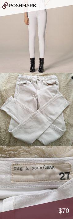 Rag and bone Skinny white jeans Beautiful great condition white rag and bone jeans. Stretchy material rag & bone Jeans Skinny