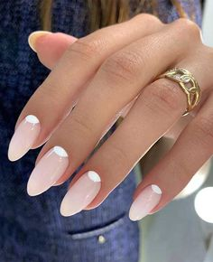 100 Beautiful Wedding Nail Art Ideas For Your Big Day - bride nails , wedding nails for bride Chic Nails, Stylish Nails, Trendy Nails, Oval Nails, Pink Nails, Oval Nail Art, Glitter Nails, Hair And Nails, My Nails