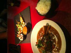 Massaman Curry and Satays @ W hotel Bangkok - amazing! Massaman Curry, W Hotel, Bangkok, Beef, Amazing, Travel, Food, Trips, Traveling