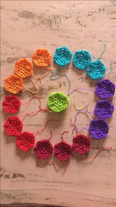 Sample balls that magically turned into hexies. A scarf in the making. ❤️