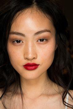 Jing Wen backstage at Burberry Prorsum Spring 2015 RTW Beauty Make-up, Asian Beauty, Hair Beauty, Burberry Prorsum, Jing Wen, Nude Make Up, Eye Makeup, Hair Makeup, Runway Makeup