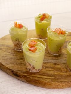 Verrine à l'avocat facile et rapide Easy and Fast Avocado Verrine: Easy and Fast Avocado Verrine Rec Healthy Eating Tips, Healthy Recipes, Brunch, Vegetable Drinks, Food Videos, Easy, Appetizers, Food And Drink, Cooking