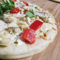 Chicken and Artichoke Pizza, great way to use Fareway rotisserie chicken -- and make healthy meals in minutes!