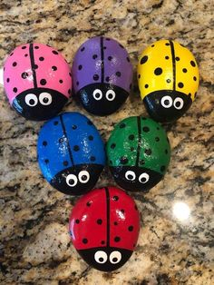 Ladybug Painted Rocks - Steine bemalen - Ladybug Painted Rocks You are in the right place about cactus plants Here we offer - Rock Painting Patterns, Rock Painting Ideas Easy, Rock Painting Designs, Paint Designs, Rock Painting Kids, Painting Rocks For Garden, Art Patterns, Pebble Painting, Pebble Art