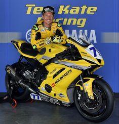Dominique Aegerter zal tijdens de thuisrace van het Nederlandse team in actie komen op een speciale geel-zwarte Ten Kate Racing Yamaha R6 racemotor #TTCircuit #Supersport #Superbike Isle Of Man, Motogp, Motocross, Racing, Motorcycle, Yellow, Vehicles, Running, Dirt Biking