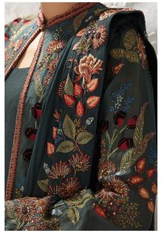 Pakistani Dresses Casual, Indian Fashion Dresses, Dress Indian Style, Pakistani Dress Design, Indian Designer Outfits, Couture Embroidery, Embroidery Fashion, Embroidery Dress, Stylish Dress Designs