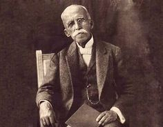 Ruy Barbosa de Oliveira nota 1 (Salvador, 5 de novembro de 1849 — Petrópolis, 1 de março de 1923) foi um polímata brasileiro, tendo se destacado principalmente como jurista, político, diplomata, escritor, filólogo, tradutor e orador. Um dos intelectuais mais brilhantes do seu tempo.