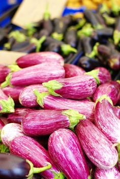 Forty recipes with eggplant Fresh Fruits And Vegetables, Veggies, No Gluten Diet, Aubergine Recipe, Eggplant Recipes, Vegetable Side Dishes, Mediterranean Recipes, Light Recipes, I Love Food