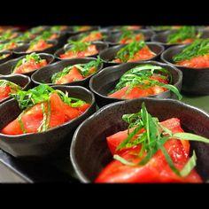ツイッターで有名な料理家のリュウジさんをご存知ですか?あの「無限レシピ」を流行らせたお方です!今回はリュウジさんの話題のレシピをたっぷりご紹介します。