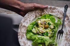 Avokádový salát s kuřetem • CukrFree.cz Avocado Toast, Guacamole, Sugar Free, Tacos, Good Food, Low Carb, Mexican, Breakfast, Ethnic Recipes
