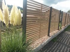 Fence and privacy screen made of robinia - Sawmill Scior GmbH Mossautal / Hüttenthal Garden Privacy, Privacy Fences, Fence Landscaping, Pool Fence, Pergola Designs, Pool Designs, Temporary Pool Fencing, Fence Design, Garden Design