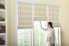 Discover Cordless ONE Controls available on all Horizons Fabric Roman Shades.