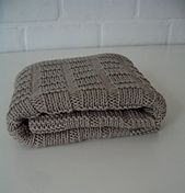 """Ravelry: """"Maxi Cosi"""" blanket pattern by maanel See other pin with lining attached"""