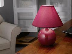 Stolní lampa TINA v luxusním červeném provedení