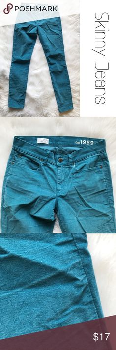 """Gap Skinny Leggings Micro Corduroy Jeans 29 Lightweight soft and stretchy. Approx measurements lying flat: waist 15"""", rise 8"""", hips 16"""" inseam 29"""". Size 29/2 B12 GAP Jeans"""