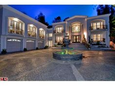 Manny Pacquiao -- House Hunting In Bev Hills . Scopes Diddy's Old Digs Manny Pacquiao