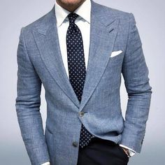 Men's fashion 2019 offers many choices for everyone to produce their own style for work, business meetings or only casual get-togethers. Traje Casual, Gentleman Mode, Gentleman Style, Gentleman Fashion, Light Blue Blazers, Light Blue Blazer Mens, Blazer Outfits Men, Casual Outfits, Blue Blazer Outfit Men