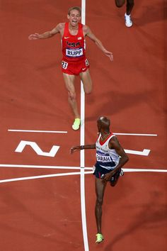 As Mo Farah wins the metres he looks back to see his training partner Galen Rupp get second place. Running Race, Running Workouts, Mens Running, Running Inspiration, Fitness Inspiration, Galen Rupp, Mo Farah, 2012 Summer Olympics, Kick Backs