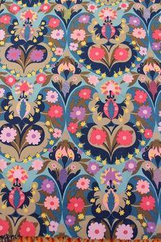 Vintage Sanderson 'Ormara' pink blue lilac floral fabric