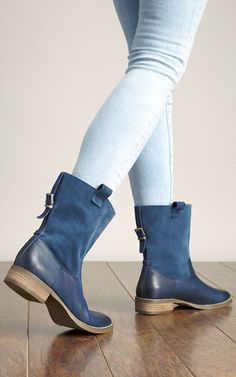 Navy leather & suede boots with back buckles Adult rain boots!
