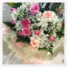 Fiori bianchi e rosa per n compleanno raffinato www.fioreriasarmeola.com