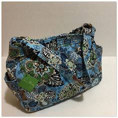 "Vera Bradley Bali Blue Beautiful Bali blue reversible bag, simply stunning. This is a must have tote. 2 pockets on the side and 2 pockets on the inside. One strap. 11"" depth 13"" across Vera Bradley Bags Totes"