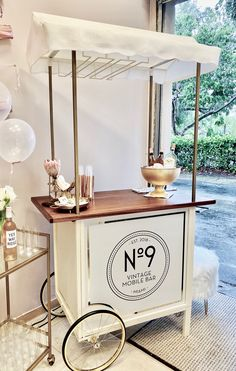 You provide the alcohol, we roll in the charm. Bella Bubble Cart serves Prosecco on tap or Rosé from bottles. Food Cart Design, Cafe Design, Bar On Wheels, Prosecco Bar, Rose Bar, Coffee With Alcohol, Sweet Carts, Ice Cream Cart, Mobile Bar