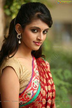 Prachi thaker South Indian Actress Hot, Beautiful Indian Actress, Beautiful Saree, Beautiful Actresses, Indian Natural Beauty, Indian Beauty Saree, Beauty Full Girl, Beauty Women, Indian Eyes