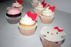 Hello Kitty Cupcakes- Fondant and Cream Cheese
