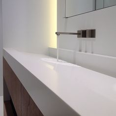 Custom-made by Deco-Lust I Official Quality Network Partner of DuPont™ Corian®