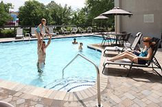 Inn on the River - Pigeon Forge hotel with outdoor pool