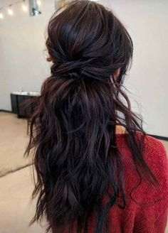 wedding hairstyles brunette Pretty Brunette Bridal Hairstyles for Long Hair to Wear in 2020 Brunette Bride, Wedding Hair Brunette, Pretty Brunette, Hair Wedding, Wedding Beauty, Wedding Stuff, Medium Hair Styles, Curly Hair Styles, Natural Hair Styles