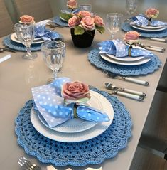 Crochet Decoration, Decoration Table, Brunch Table, Dinner Table, Crafts To Sell, Diy And Crafts, Beautiful Table Settings, Fall Table, Deco Table