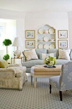 Living Room - Family Room - Den :: Interior designer: Janet Simon, photos by John Bessler via Traditional Home