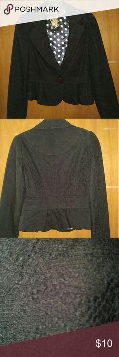 Black Blazer NWOT FOREVER 21 black Blazer with slight flare at bottom. Staple for any closet. Forever 21 Jackets & Coats Blazers