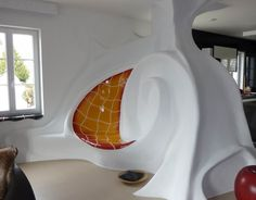 01 Kachelofen Modern Rath_18 Organic Architecture, Interior Architecture, Mud Hut, Earthship Home, Eco Buildings, Unusual Homes, Earth Homes, Rocket Stoves, Cool Rooms